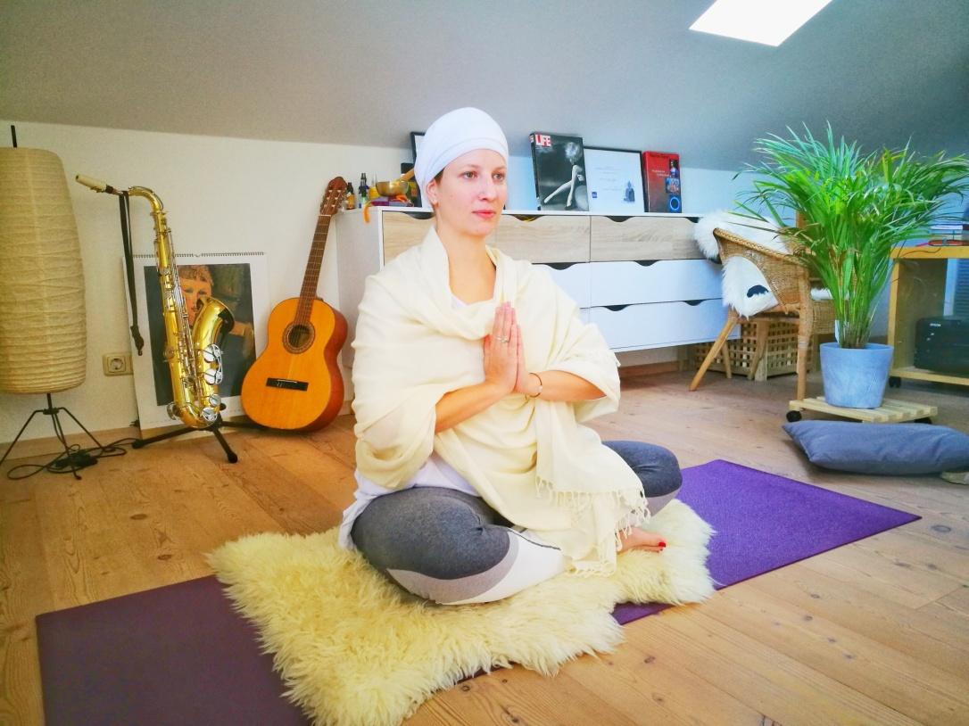 Amrit_Sandeep_Kundalini_Yoga
