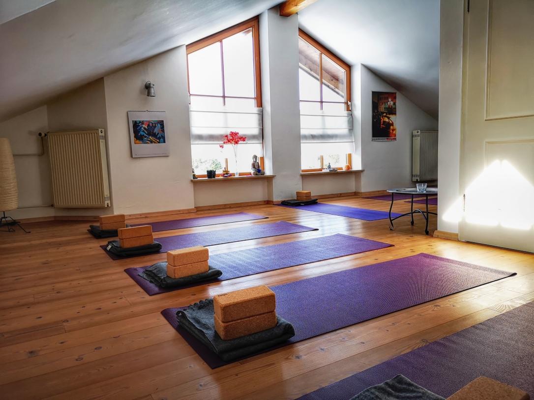 yoga_studio_yoga_dahoam