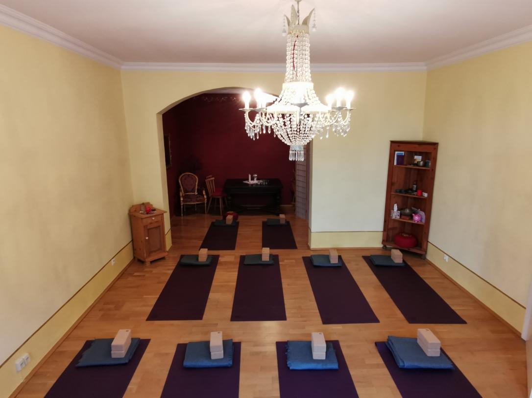 yoga_dahoam_stadtplatz_traunstein